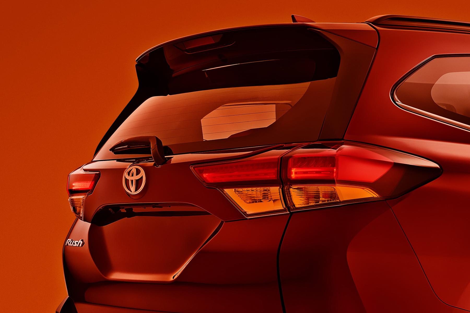 Toyota Rush Detail_0001_Rush_detail_0001_Layer 7.jpg